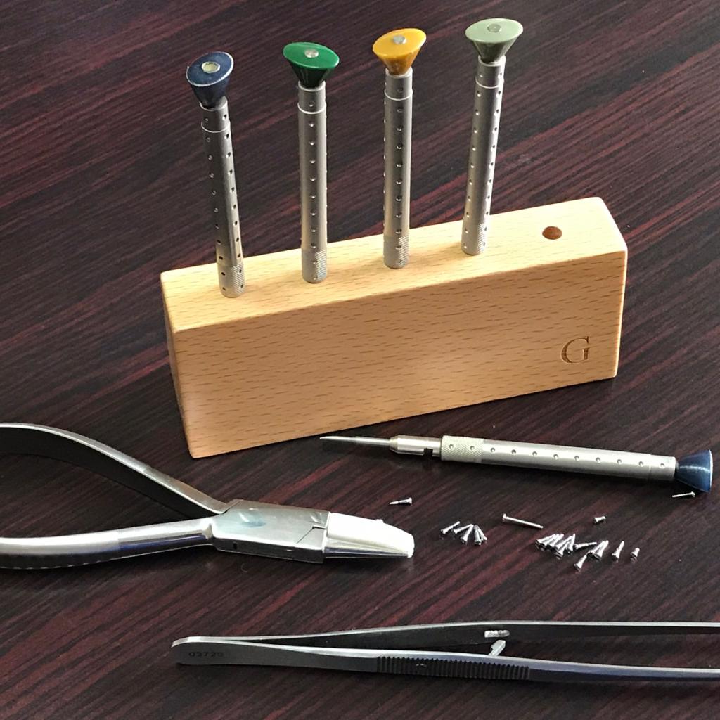 Valhalla & SAFI Optometrists Standard Services Repairing & Adjusting